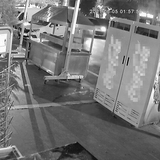 Adanada kebapçıya kalaşnikoflu saldırı güvenlik kamerasında