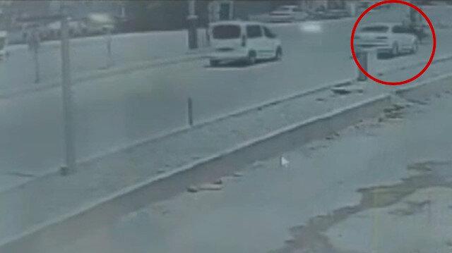 HDP'li yönetici belediyeye ait araçla motosiklete çarptı: 1'i ağır 2 kişi yaralandı