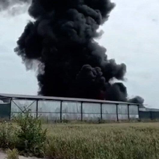 Bursada, geri dönüşüm tesisi atık toplama alanında yangın