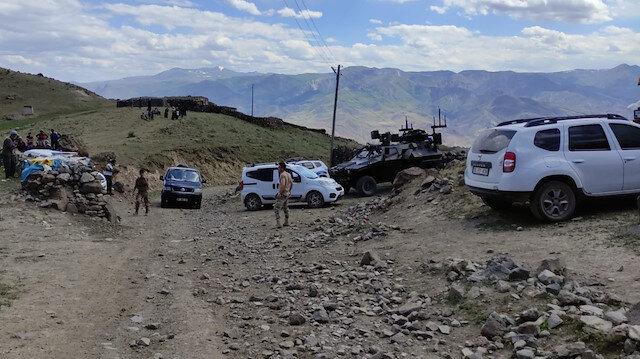 Kars'ta kamyonet şarampole devrildi: Bir asker şehit oldu 3 kişi hayatını kaybetti