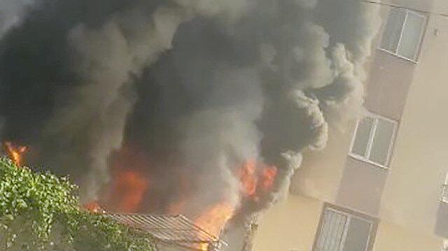 Antalya'da korkutan yangın: Komşular binada mahsur kalanlara seslendi