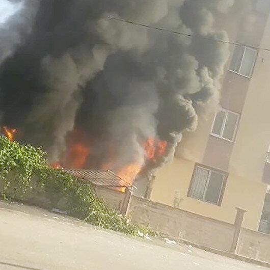 Antalyada korkutan yangın: Komşular binada mahsur kalanlara seslendi