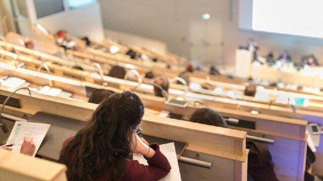 """Bakan Koca'dan """"Üniversite öğrencileri ne zaman aşılanacak?"""" sorusuna yanıt"""