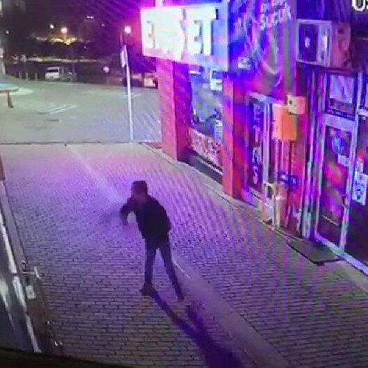 Samsunda bankaya taşlı saldırı kamerada