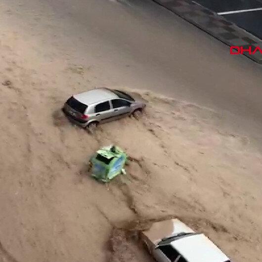 Ankarada araçlar sel sularında böyle sürüklendi