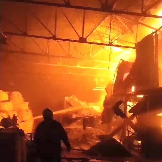 Bursada geri dönüşüm fabrikası alev alev yandı