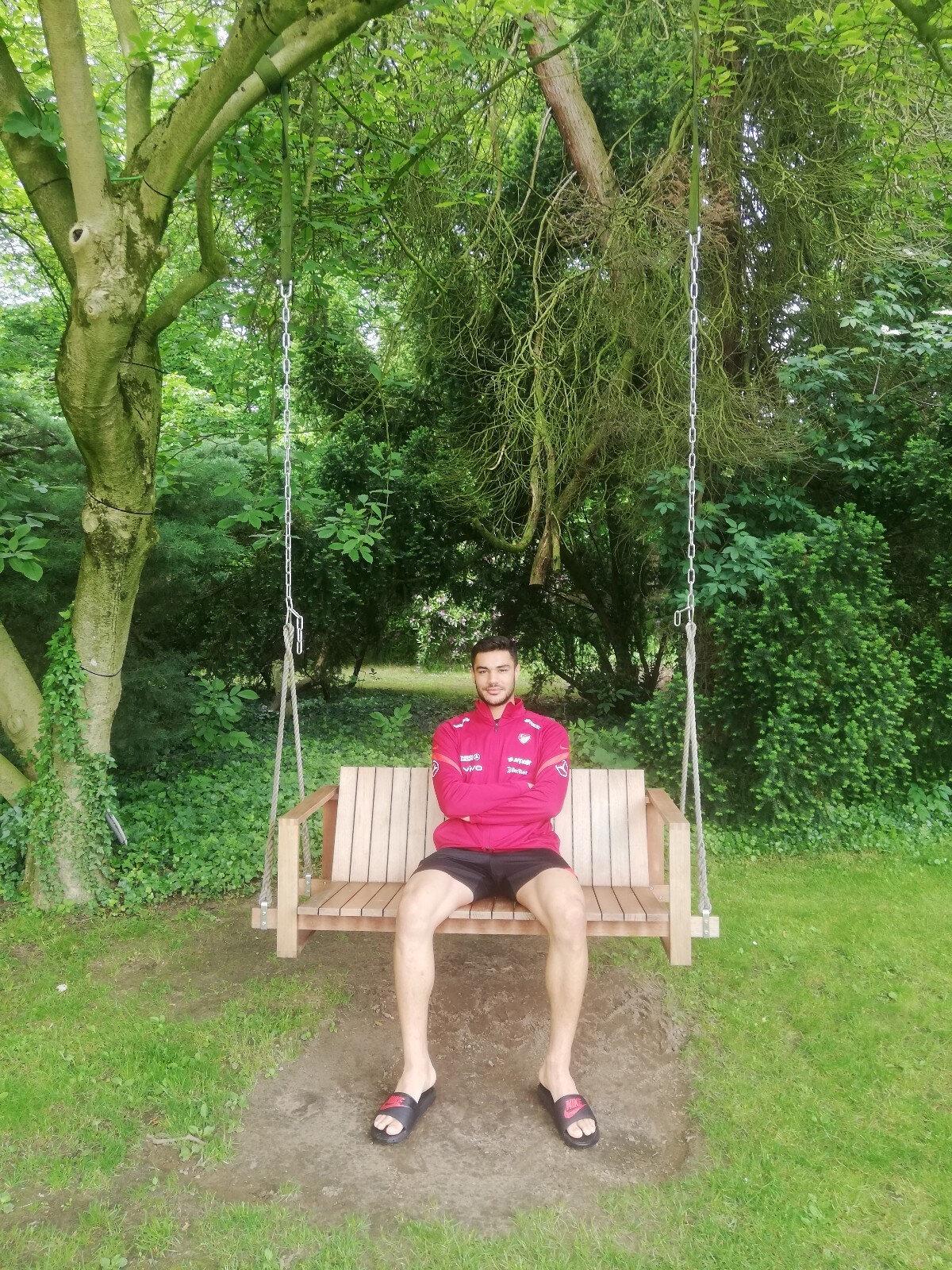 Ozan Kabak sezonu Liverpool'da tamamlamıştı.