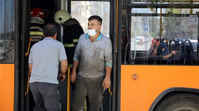 Faciadan son anda dönüldü: Belediye otobüsü hareket halindeyken alev aldı