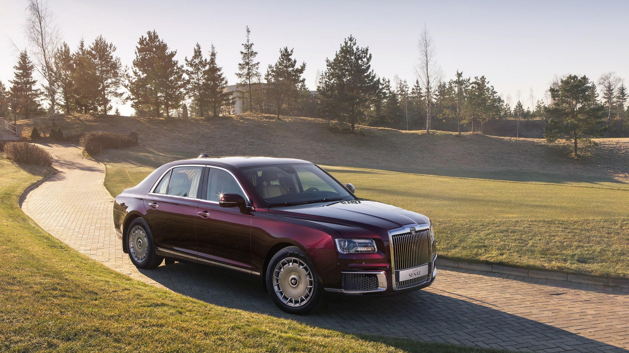 Putin'in de bizzat kullandığı otomobilin seri üretimine, 31 Mayıs Pazartesi günü düzenlenen törenle start verildi.