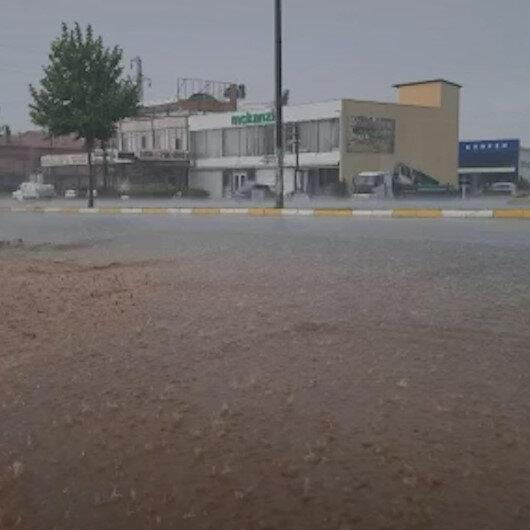 Denizlide sağanak yağış etkili oldu