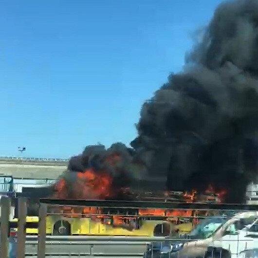 Bayrampaşada İETT otobüsü alev alev yandı