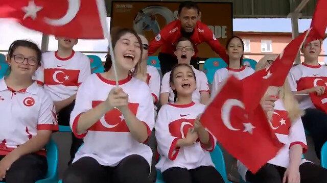 Özel öğrencilerden A Milli Futbol Takımı'na destek klibi