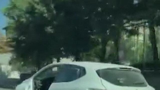 Ataşehir'de kapısı olmayan otomobilin trafiğe çıktığı anlar kamerada