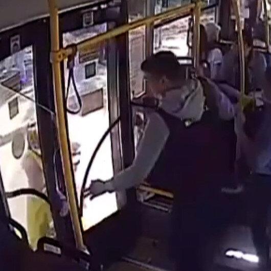 Rusyada faciadan dönüldü: Bebeğin bacağı otobüs kapısına sıkıştı