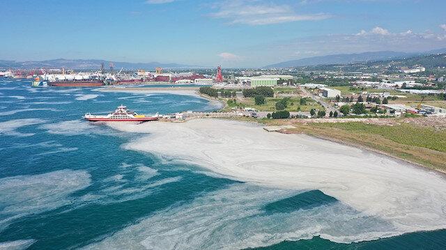 Yalova deniz salyasına teslim: Endişelendiren manzara havadan görüntülendi