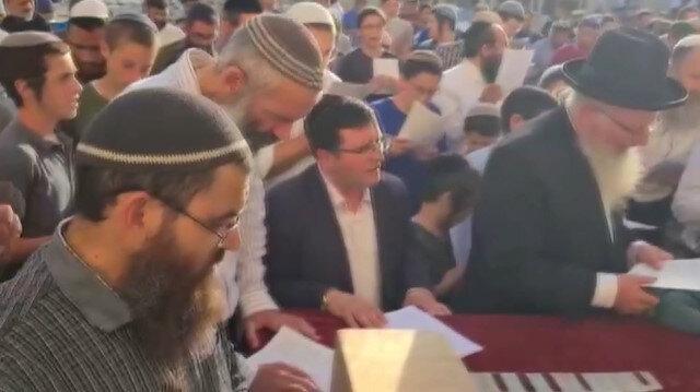 Siyonist Yahudilerden yeni koalisyon hükümetine karşı toplu beddua