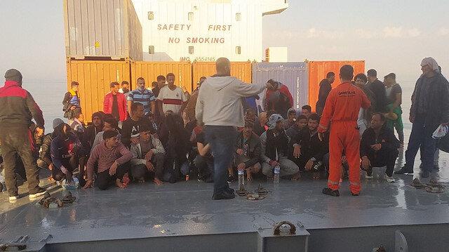 Türk kaptan deniz ortasındaki 97 kaçak göçmeni kurtardı: 3 ülke yetkilileri 12 saat boyunca görüştü