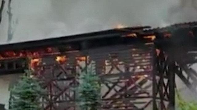 Çekmeköy'de bir fabrikanın deposunda yangın çıktı