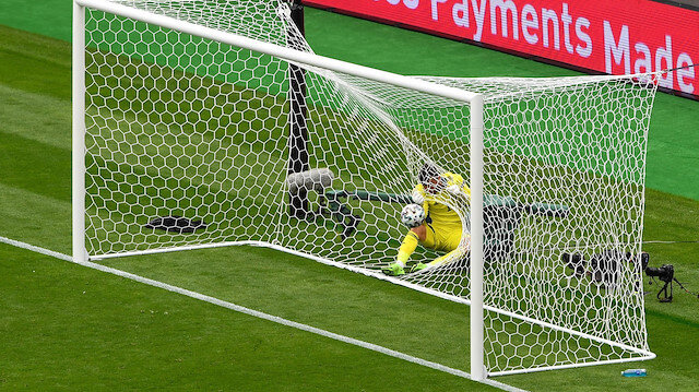 Çekya'nın yıldızı Patrik Schick'ten EURO 2020'ye damga vuran gol