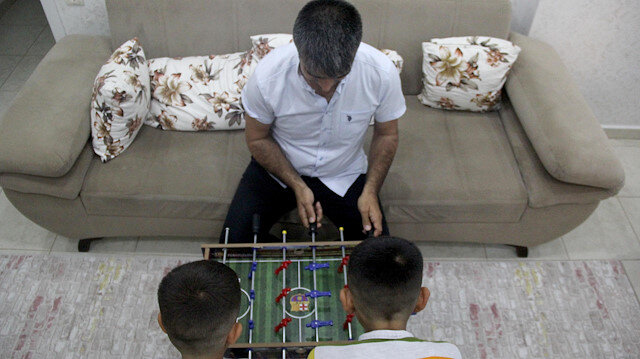 Yetiştirme yurdunda büyüyen iki çocuk babası adamın duygulandıran hikayesi: Kimsesiz iki yavruya 'yuva' oldu