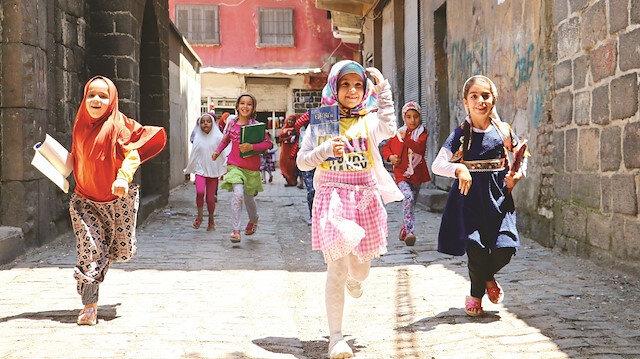 Yaz Kur'an kursları başlıyor: Çocuklar yüz yüze gençler online