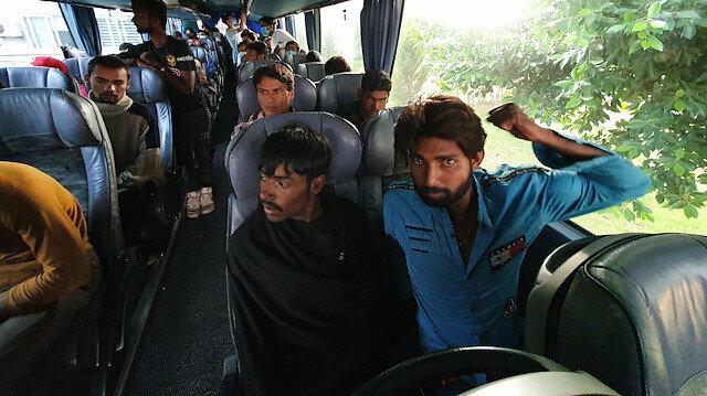 Yolcu otobüsünden 45 kaçak göçmen çıktı