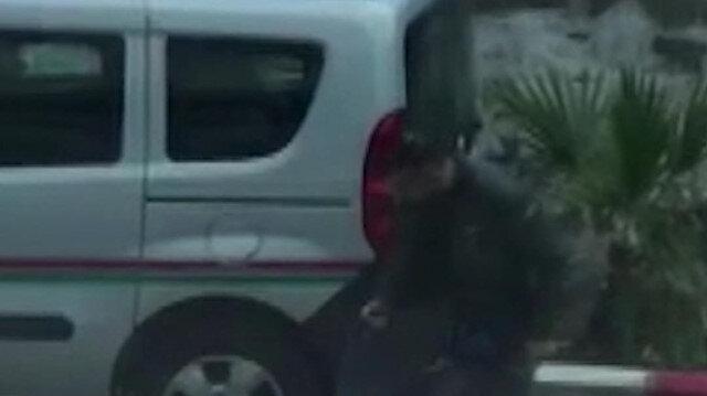 İzmir'de icra avukatına yapılan silahla tehdit anları kamerada