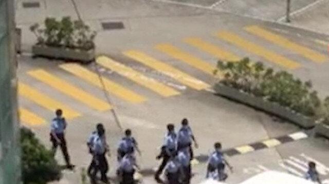 Hong Kong'da muhalif 'Apple Daily' gazetesine 500 polisle baskın