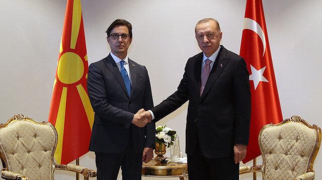 Cumhurbaşkanı Erdoğan'ın diplomasi trafiği: Kuzey Makedonya Cumhurbaşkanı ve Boşnak heyet ile görüştü