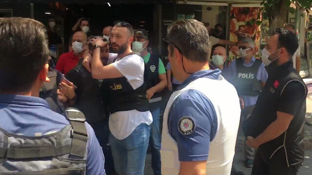 HDP İzmir il binasına silahlı saldırı: 1 kişi hayatını kaybetti