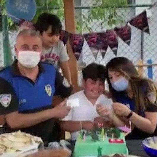 Doğum gününde babasının polis sürprizi çocuğu sevinçten ağlattı