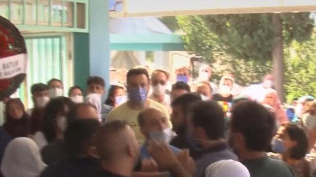 HDP il binasındaki saldırıda ölen Deniz Poyraz'ın cenazesinde 'PKK' gerginliği