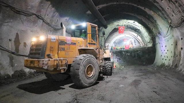 1280 metrelik tünelde ışık görüldü