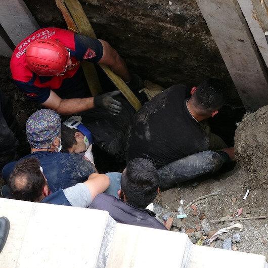 Arkadaşına yardıma gitti toprak yığınının altında can verdi