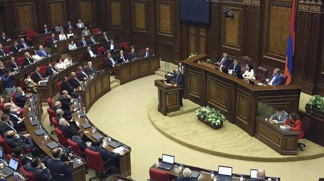Ermenistan'da erken parlamento seçimi başladı: Paşinyan ve Koçaryan arasında çekişme