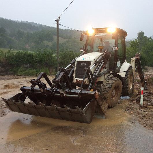 Kütahya'da sağanak nedeniyle 2 köyde sel oldu