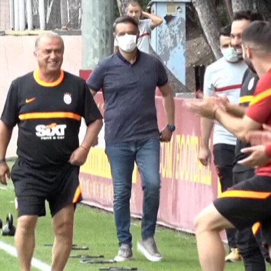 Fatih Terim yeniden Floryada: Futbolcular ve teknik ekip alkışlarla karşıladı