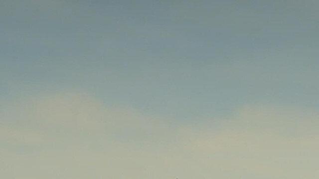 Türk Hava Kuvvetlerinin akrobasi timi 'Türk Yıldızları'ndan selamlama uçuşu