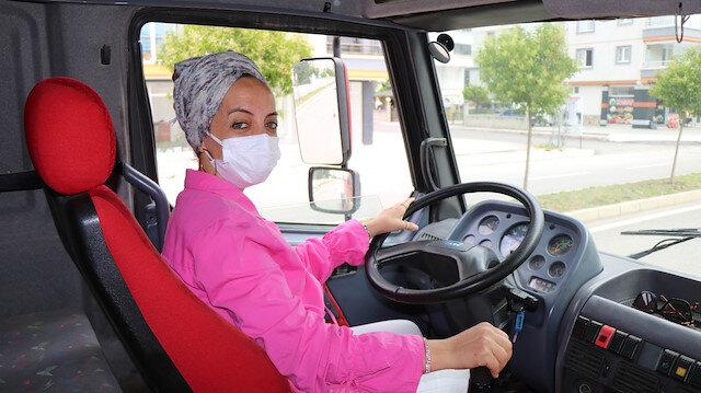 Şehrinin tek kadın 'ağır vasıta' sürüş öğretmeni: Yirmi yıldır bu işi yapıyor görenler şaşırıyor