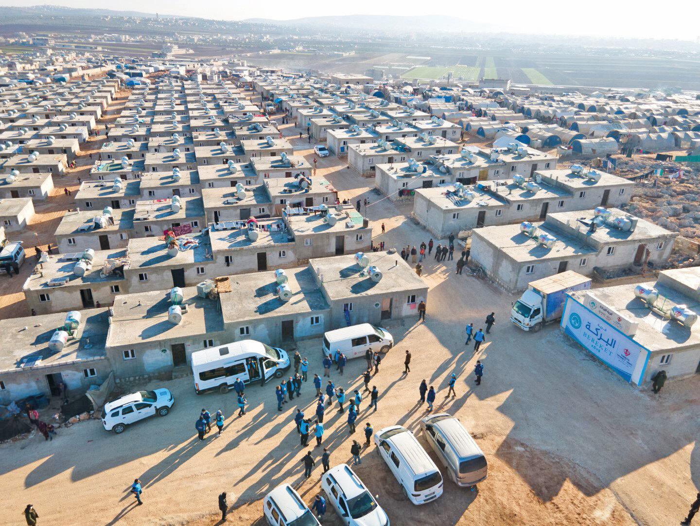 Türkiye, Suriyelilerin insani koşullarda yaşam sürmeleri için AB'ye defalarca teklifte bulundu. Olumlu cevap alamayan Türkiye, binlerce briket evi kendisi inşa etti.