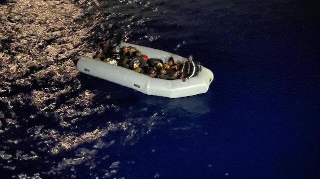 Marmaris'te Yunanistan'ın ölüme ittiği 16 kaçak göçmen kurtarıldı