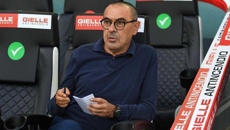İtalyan teknik adam Sarri, Lazio'dan önce Juventus, Chelsea ve Napoli gibi büyük takımları çalıştırmıştı.