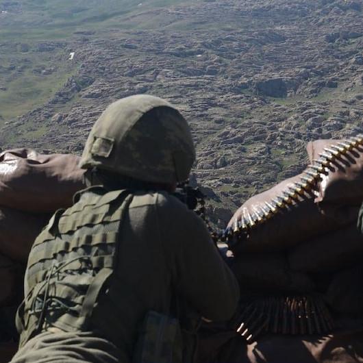 MSB duyurdu: Barış Pınarı bölgesine sızmaya çalışan 2 PKK/YPG'li terörist etkisiz hale getirildi