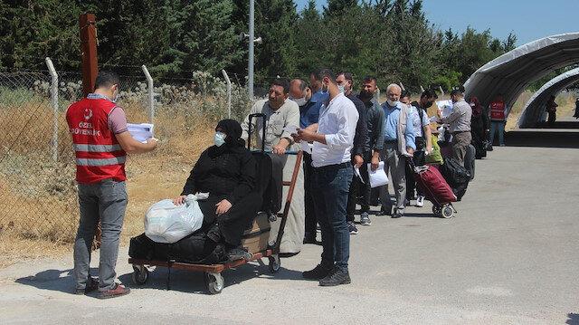 Suriyelilerin bayram yolculuğu başladı: Öncüpınar'dan ülkelerine randevuyla geçiyorlar