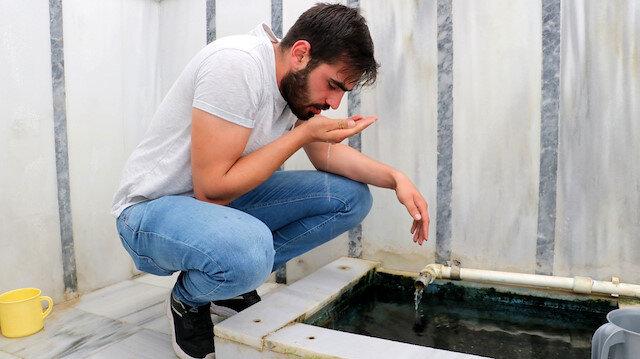 Şifalı suyu duyanlar Çeltek'e akın ediyor: 'Bunu içen kötürümler yürüyerek ayrılıyor'