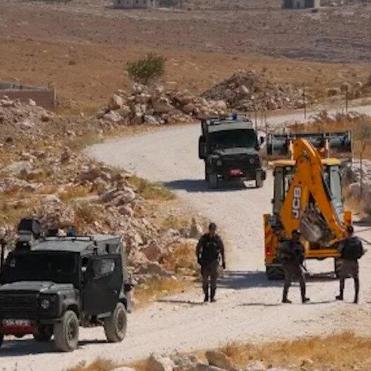 İşgalci İsrail güçleri Filistinlerin kullandığı su şebekesini yıktı