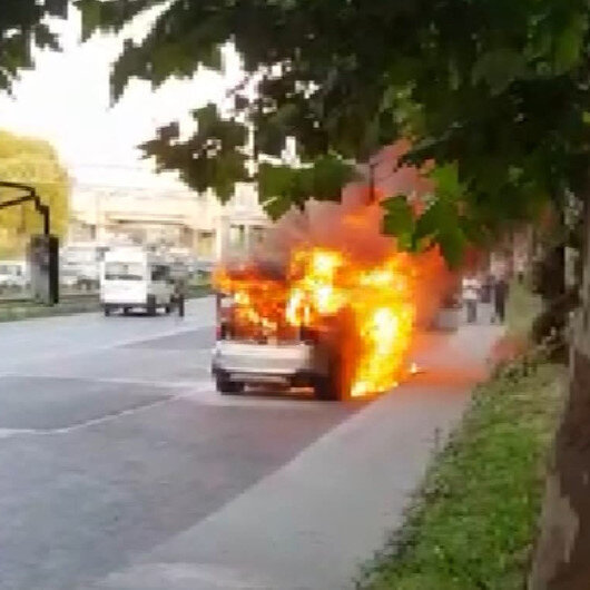 Esenlerde otomobil alev alev yandı