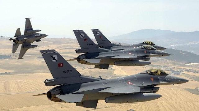 Türk jetleri NATO hava devriye görevi kapsamında Polonya'ya gitti
