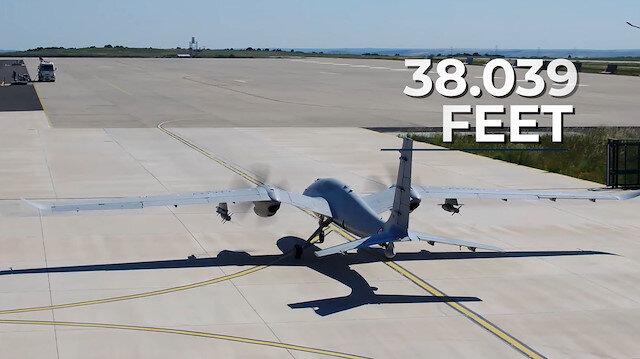 AKINCI'dan Türk havacılık tarihine geçen rekor: 38 bin 39 feet yüksekliğe çıktı