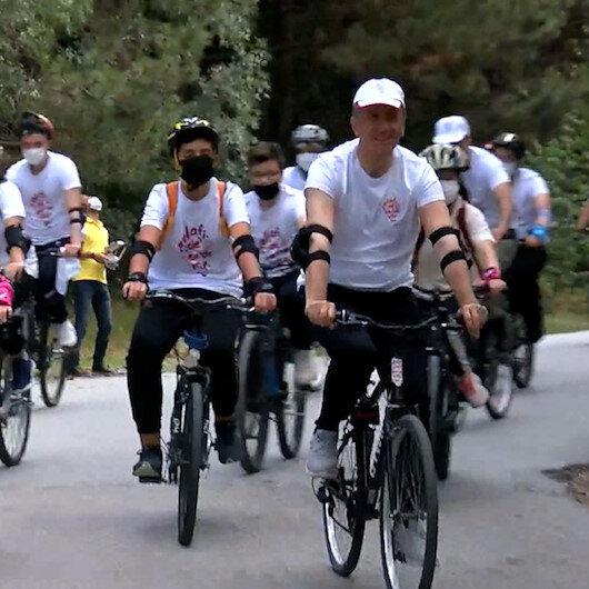 Bakan Selçuk öğrenciler ile birlikte pedal çevirdi